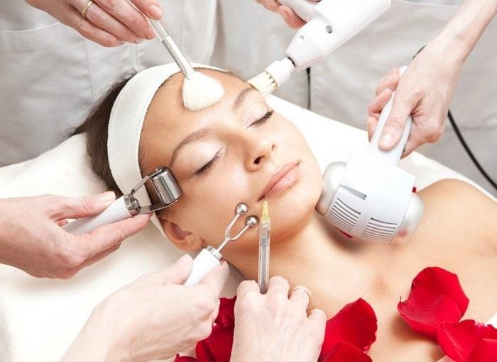 برخی از خدمات کلینیک پوست و مو