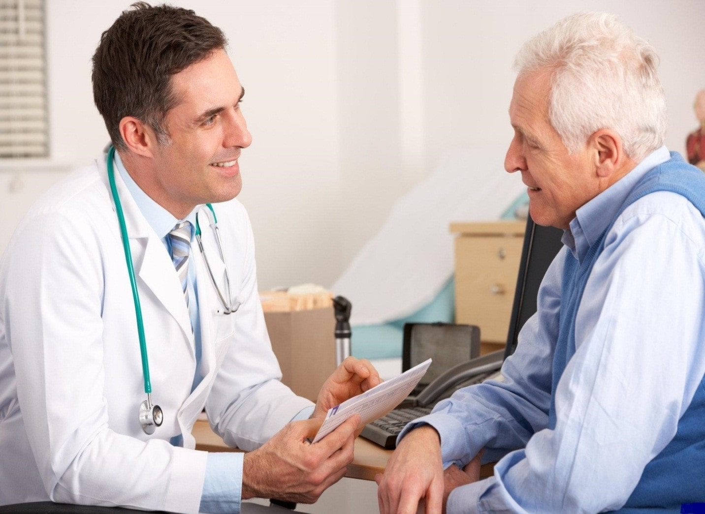 نحوه تشخیص بیماری در طب نوین و مکمل