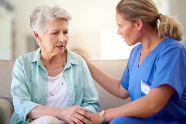 افراد مبتلا به آلزایمر معمولا چند سال زندگی میکنند؟