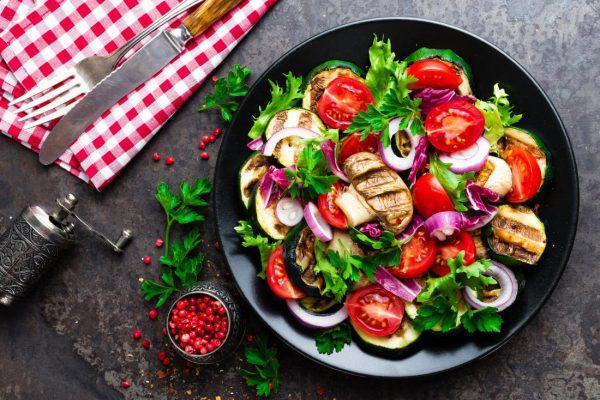 مصرف گستره متنوعی از میوه ها و سبزیجات