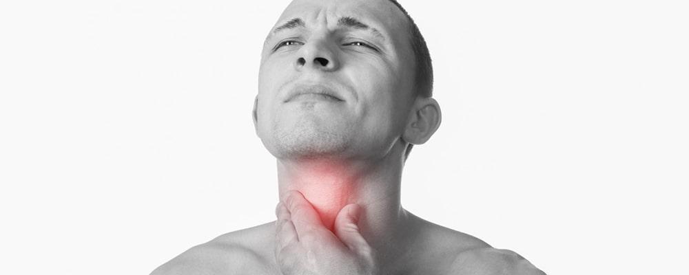 چه مواردی در در بروز سرطان گلو مؤثر است