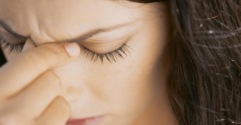 تشخیص میگرن چشمی چگونه است؟